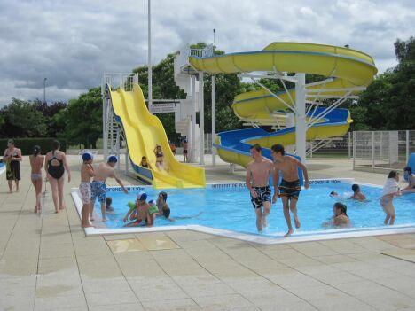"""Le petit bassin et les toboggans de la piscine Aquadel à Mauléon.<span class=""""normal italic petit"""">DR</span>"""
