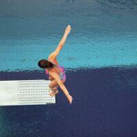 Le plongeoir de piscine, pour un été plein d'action!