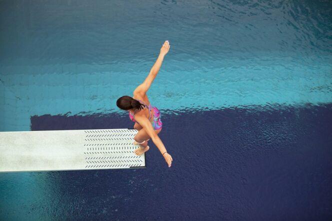 """Le plongeoir de piscine, pour un été plein d'action !<span class=""""normal italic petit"""">© wellphoto - Fotolia.com</span>"""