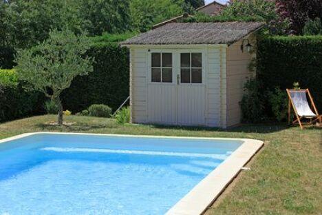 "Le pool house de piscine<span class=""normal italic petit"">© joël BEHR - Fotolia.com</span>"