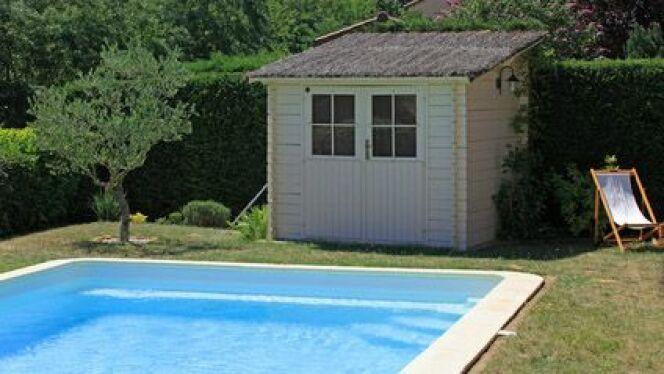 "Le pool house en kit <span class=""normal italic petit"">© joël BEHR - Fotolia.com</span>"