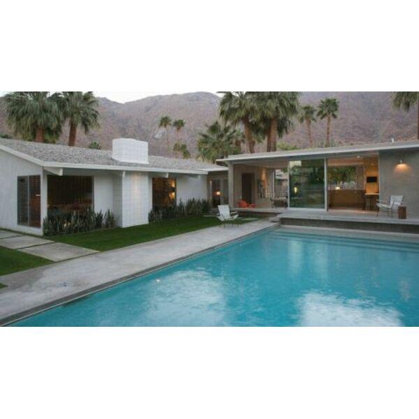 Le pool house polyvalent que ranger dans un pool house for La piscine pool nyc