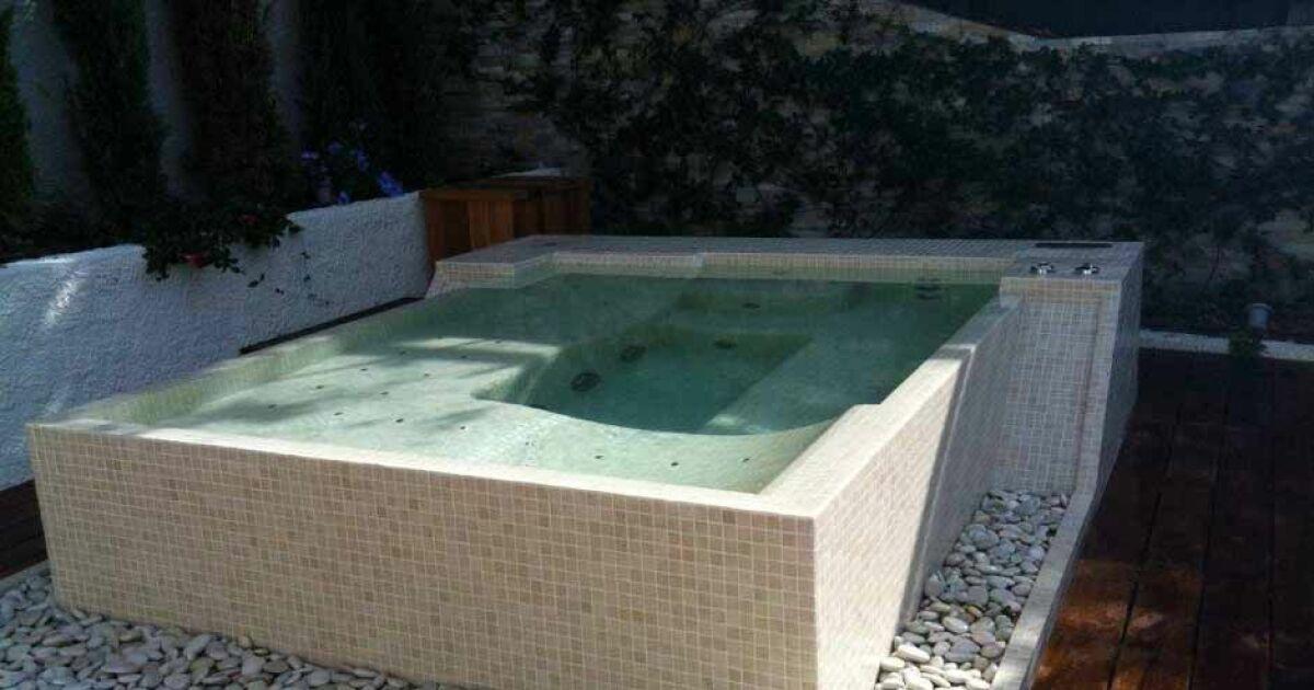 le prix d un spa en mosa ques. Black Bedroom Furniture Sets. Home Design Ideas