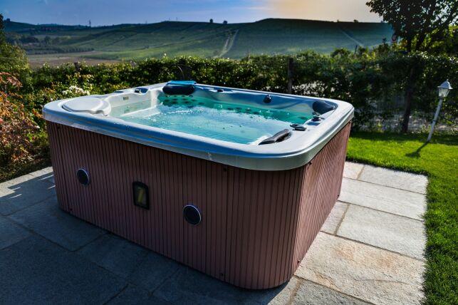 Le prix d'un spa extérieur : toutes les dépenses à prévoir