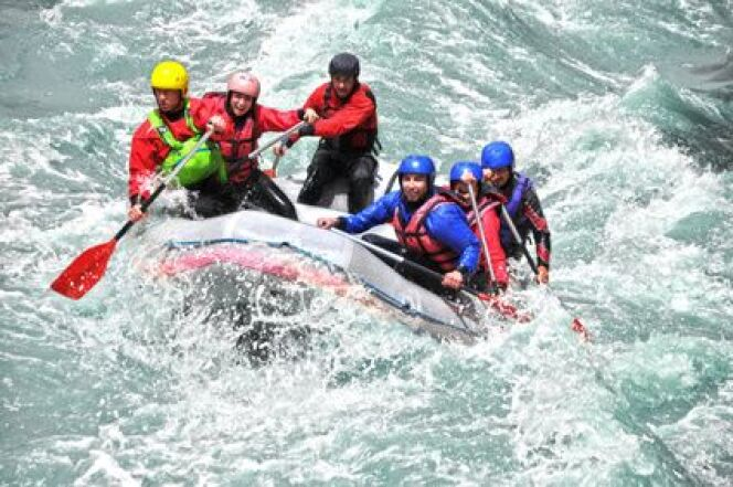 "Le rafting  <span class=""normal italic petit"">DR</span>"