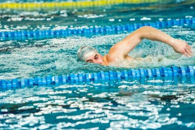 """Le rattrapé arrière en natation<span class=""""normal italic petit"""">DR</span>"""