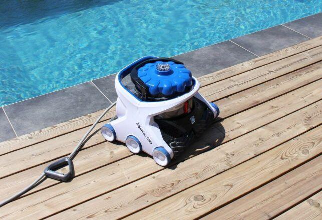 Le robot AquaVac® 6 Series d'Hayward : une puissance d'aspiration constante sans filtre