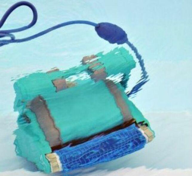 Le robot de piscine solaire permet de nettoyer votre piscine sans utiliser d'électricité.
