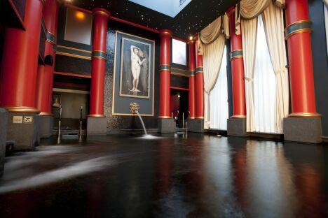 """Le spa du Grand Hôtel à Bordeaux<span class=""""normal italic petit"""">© Guy Charneau</span>"""