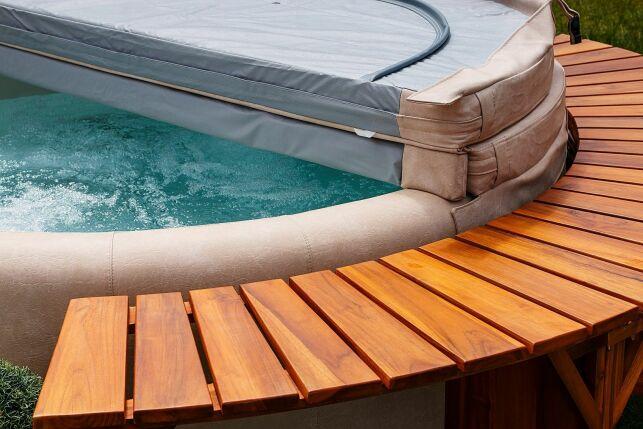 Le spa rond pour un bain à bulles convivial