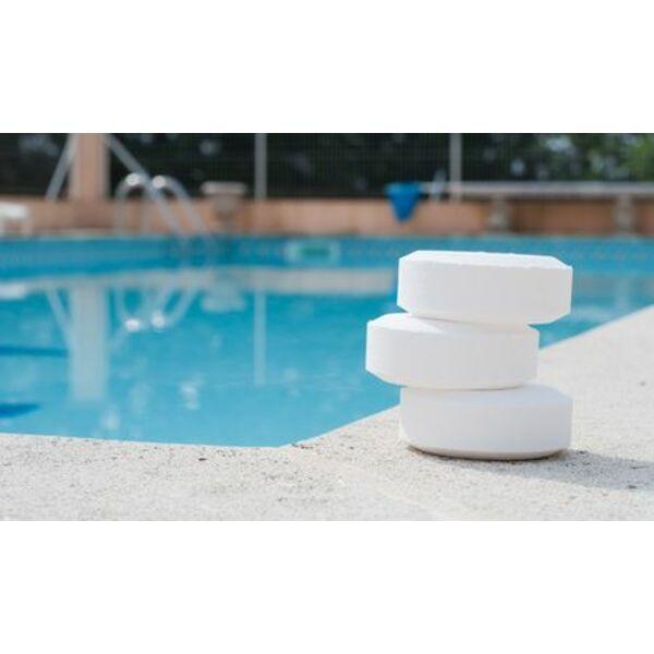 Le stabilisant de chlore pour maintenir l 39 efficacit du for Chlore de piscine