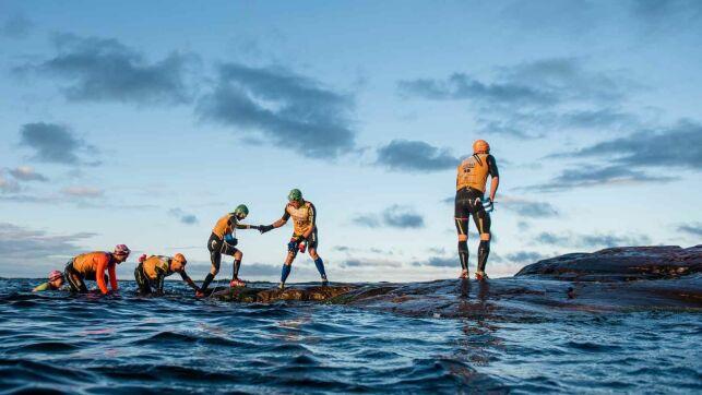 Le Swimrun est un sport nouveau, alliant le trail et la natatio, en duo.