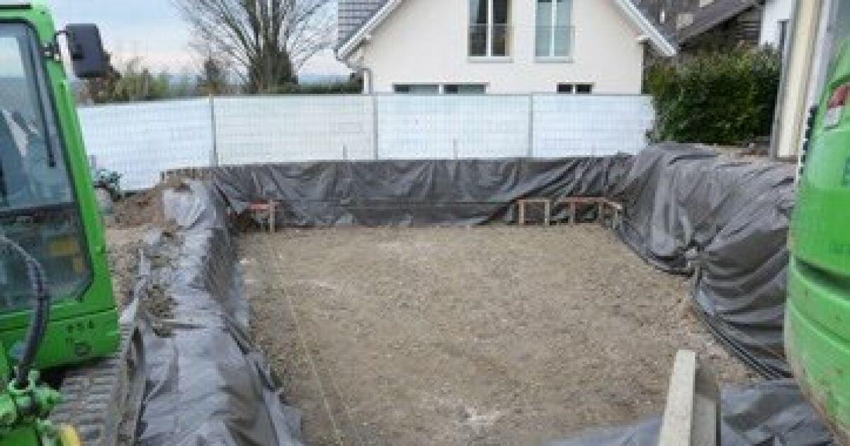 Construction d 39 une piscine enterr e le terrassement le for Construction piscine enterree
