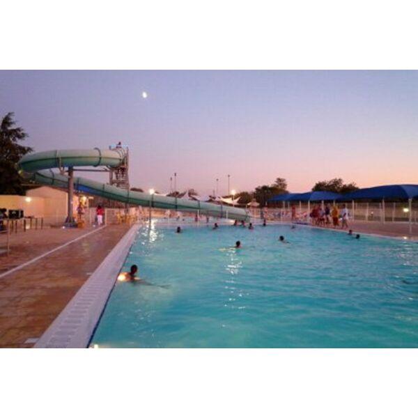 D coration 27 piscine municipale avec toboggan for Toboggan piscine hors sol