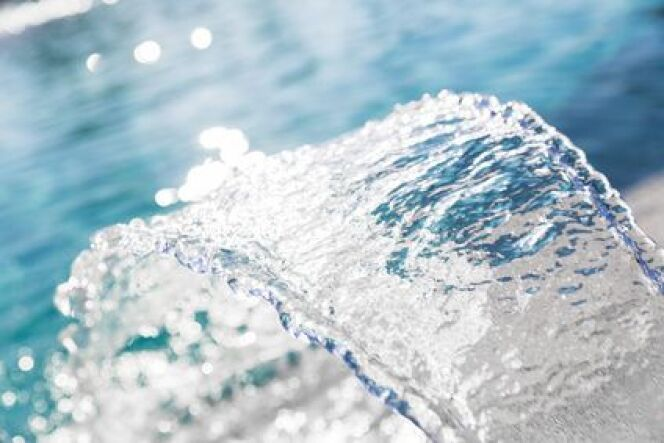 """Le traitement d'une piscine à base de magnésium<span class=""""normal italic petit"""">© maroti - Fotolia.com</span>"""