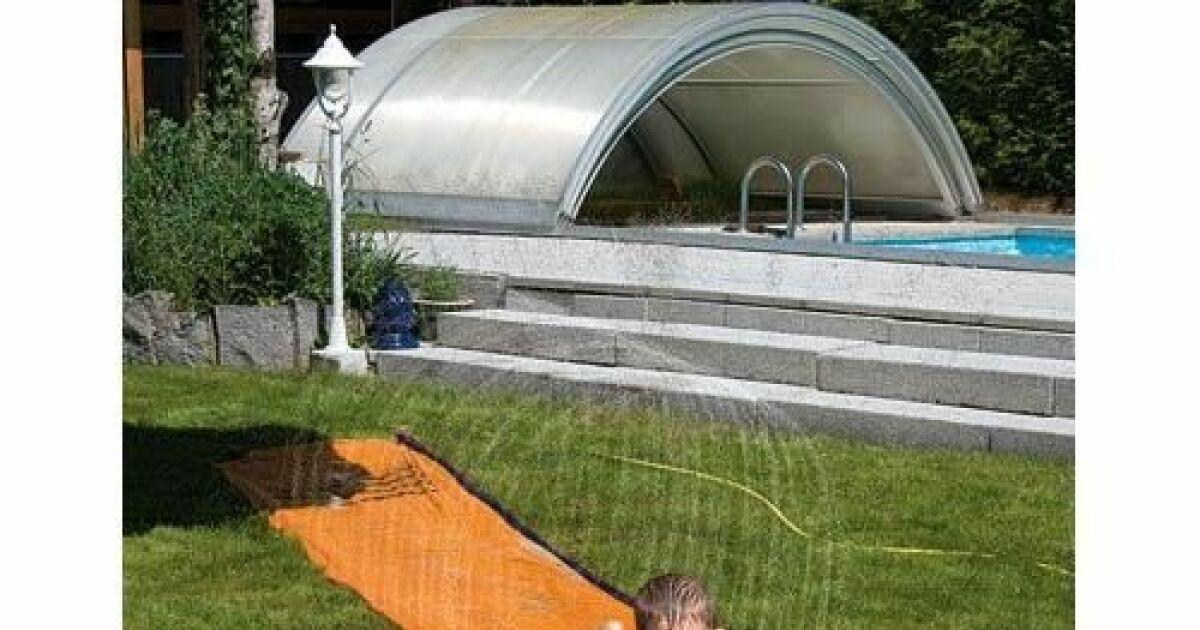 Le ventriglisse un espace fun dans votre jardin for Piscine dans le jardin