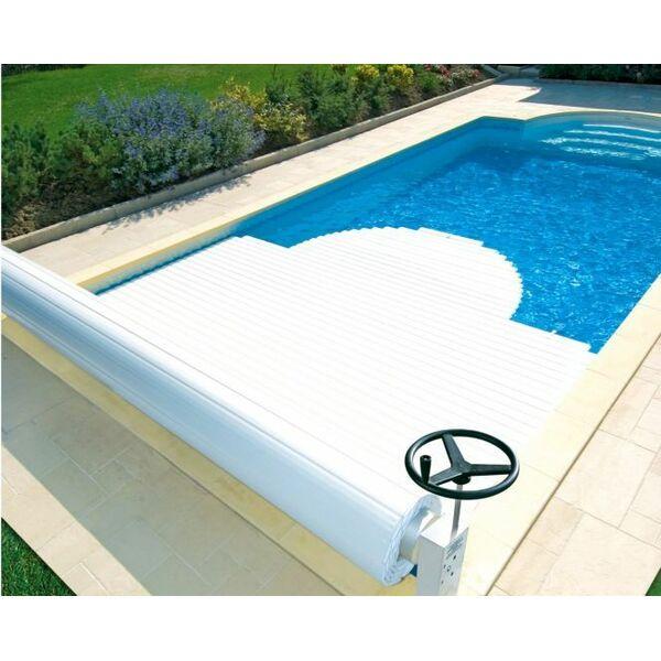 un volet de piscine lectrique ou enrouleur. Black Bedroom Furniture Sets. Home Design Ideas