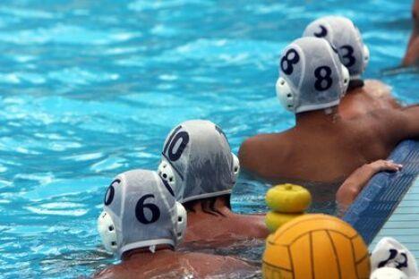 """Le water-polo, un sport d'équipe aquatique<span class=""""normal italic petit"""">© tanyast77 - Fotolia.com</span>"""