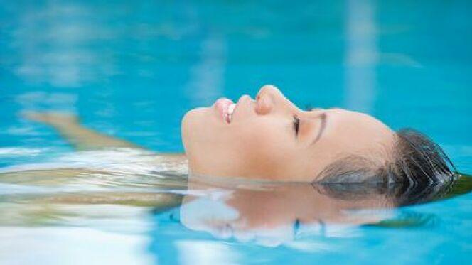 """Le yoga et la natation<span class=""""normal italic petit"""">DR</span>"""