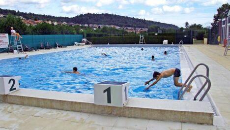 """Le bassin extérieur de la piscine de pompey<span class=""""normal italic petit"""">DR</span>"""