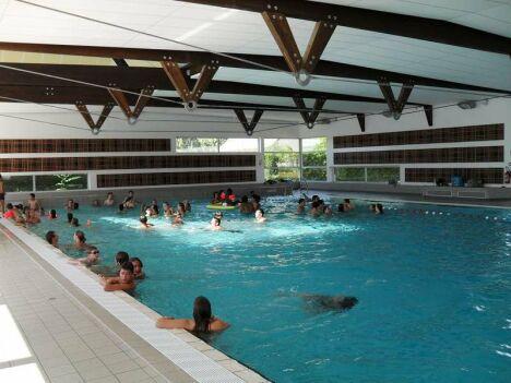 """Le bassin intérieur du centre nautique Ilo Bulle<span class=""""normal italic petit"""">DR</span>"""