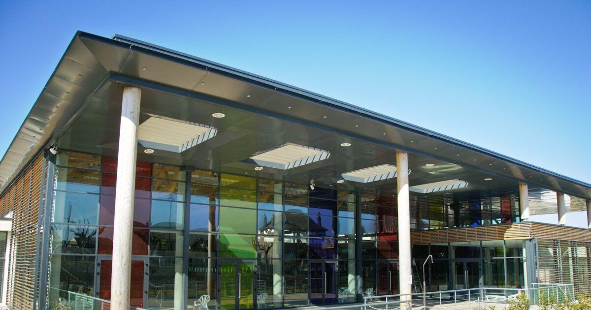 Centre aquar cr atif piscine egletons horaires for Centre gadbois piscine horaire