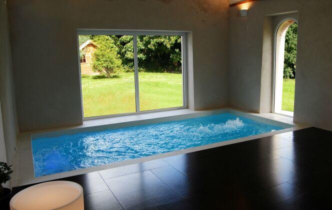 Le couloir de nage intérieur s'intègre même aux petits espaces © L'Esprit Piscine