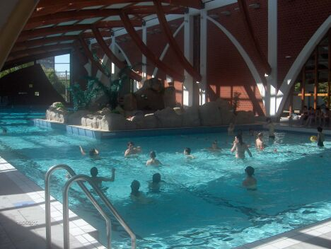 "Le grand bassin de la piscine de Joigny<span class=""normal italic petit"">© ville de Joigny</span>"