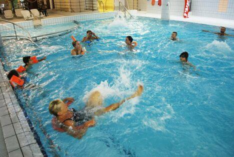 """Le grand bassin de la piscine Thermadore à Saint Nectaire<span class=""""normal italic petit"""">DR</span>"""