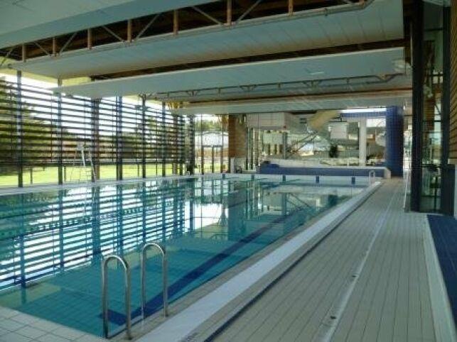 Le grand bassin de natation de la piscine AquaRé à Saint Martin de Ré