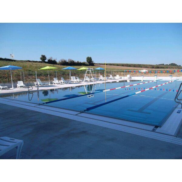 Centre aquatique plouf piscine ch teau du loir for Bassin aquatique exterieur