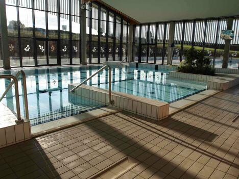 """Le petit bassin couvert du centre aquatique Plouf à Château du Loir<span class=""""normal italic petit"""">DR</span>"""