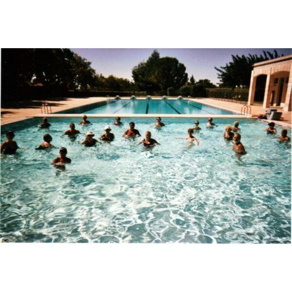 piscine maussane les alpilles horaires tarifs et t l phone. Black Bedroom Furniture Sets. Home Design Ideas