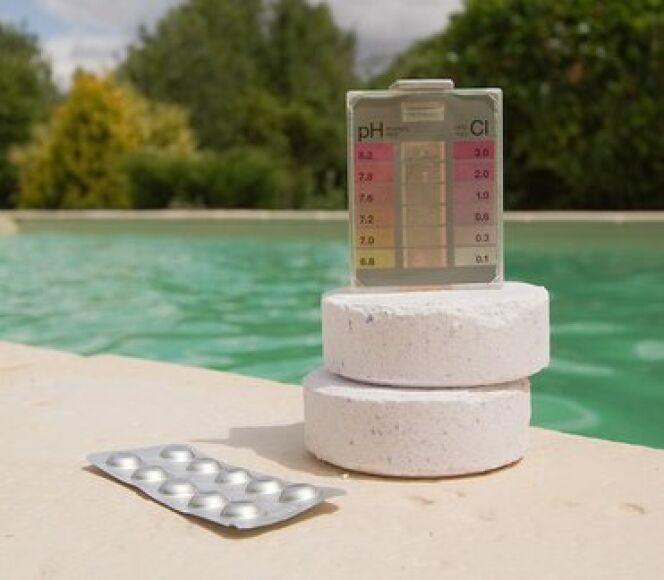 """Le traitement de votre piscine au chlore <span class=""""normal italic petit"""">© Toanet - Fotolia.com</span>"""