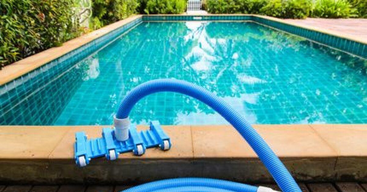 avis et commentaires les 10 gestes simples adopter pour l entretien d une piscine. Black Bedroom Furniture Sets. Home Design Ideas