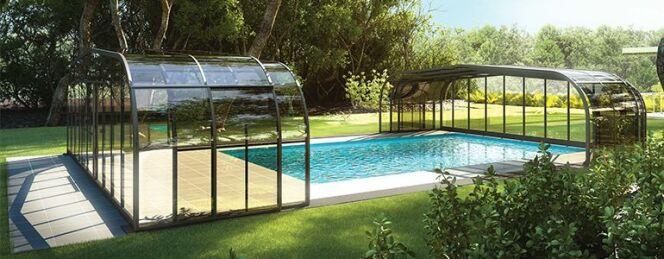 """Les abris de piscine Rideau proposent des systèmes pour faciliter la manipulation de leurs produits<span class=""""normal italic petit"""">© Abris de piscine Rideau</span>"""