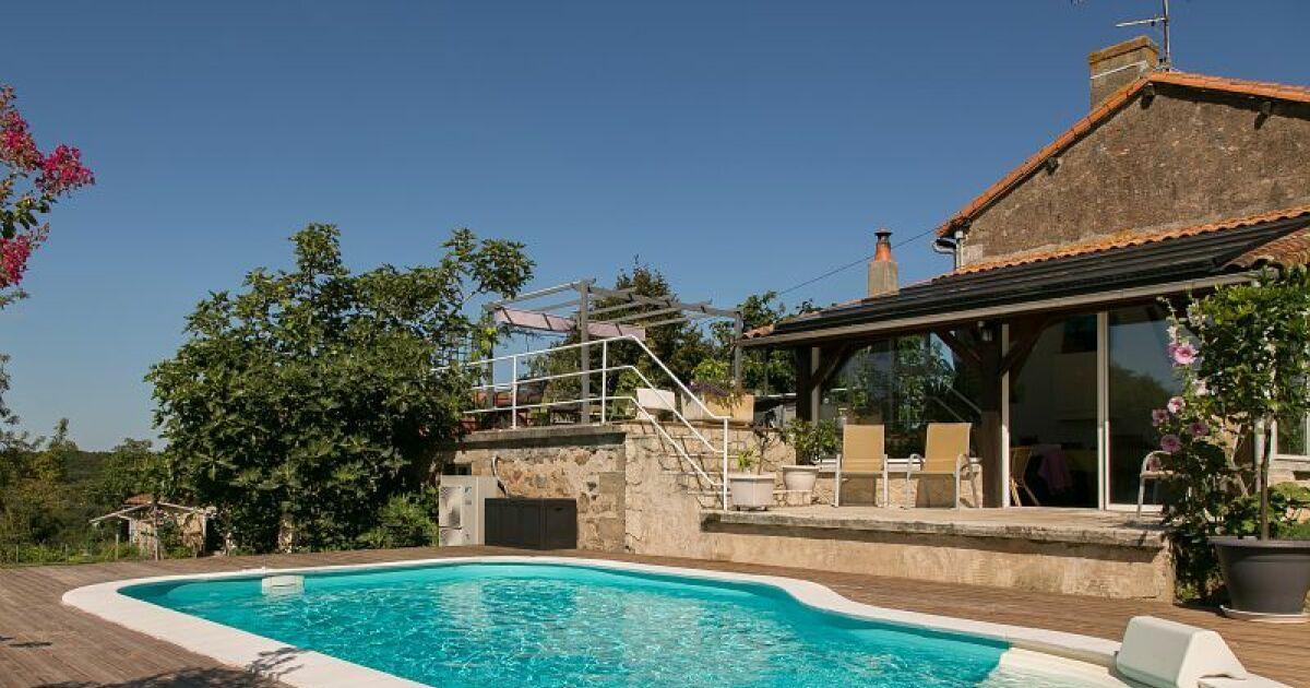 Construire sa piscine waterair en automne for Quand hiverner sa piscine
