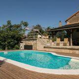 Quels sont les avantages de construire sa piscine en automne ?