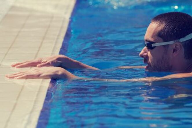 """Les avantages de nager seul<span class=""""normal italic petit"""">DR</span>"""