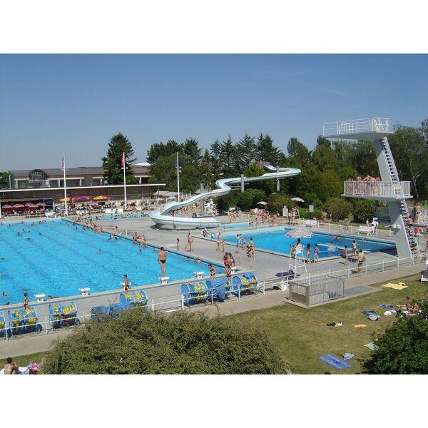Centre nautique piscine divonne les bains horaires for Piscine le cateau horaire