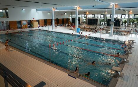 """Les bassins sportifs, ludiques et pataugeoire<span class=""""normal italic petit"""">© Piscine Inoxia à Chateaugiron</span>"""