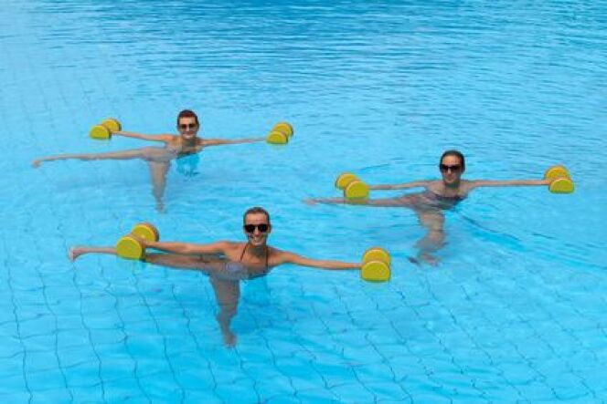 Les bienfaits de la gymnastique aquatique for Piscine blomet aquagym