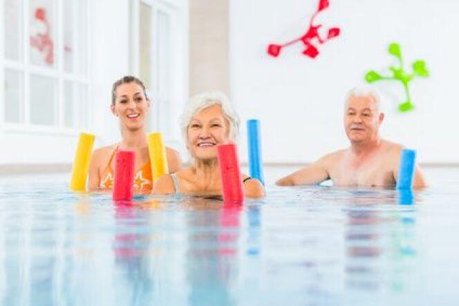 """Les bienfaits de la natation pour les séniors<span class=""""normal italic petit"""">DR</span>"""