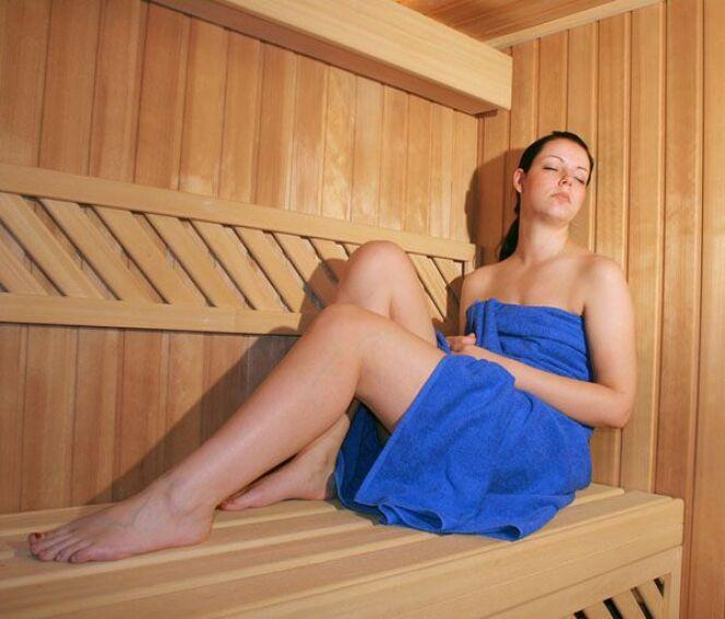 """Les bienfaits de la transpiration dans un sauna<span class=""""normal italic petit"""">DR</span>"""