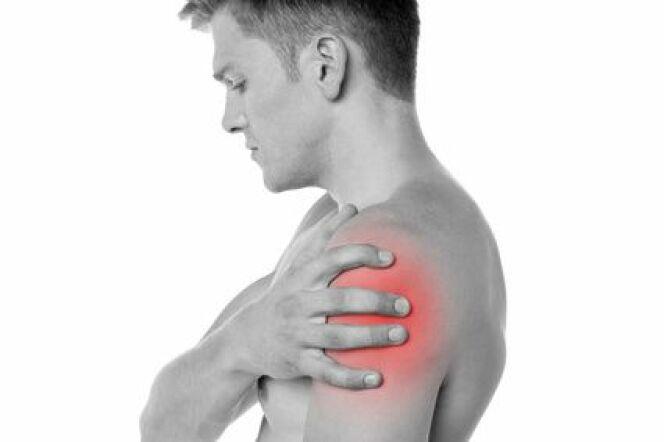 """Les blessures de l'épaule sont courantes en natation<span class=""""normal italic petit"""">© stockyimages.com - Fotolia.com</span>"""