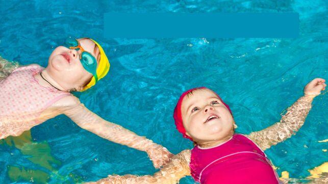 Les cours de bébé nageur à l'Ile Verte à Briare