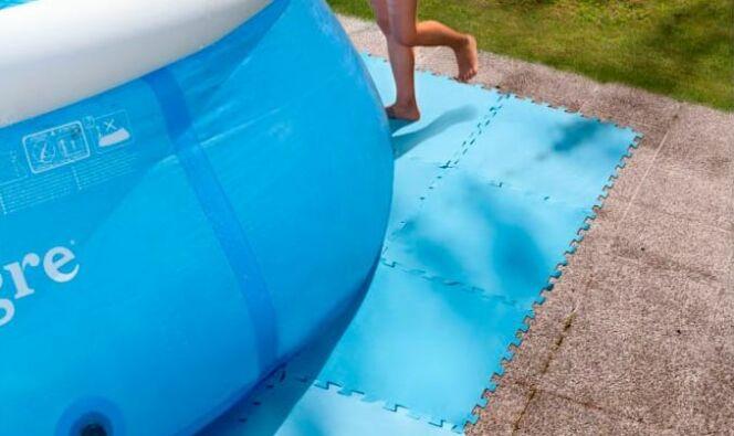 Les dalles en mousse pour piscine