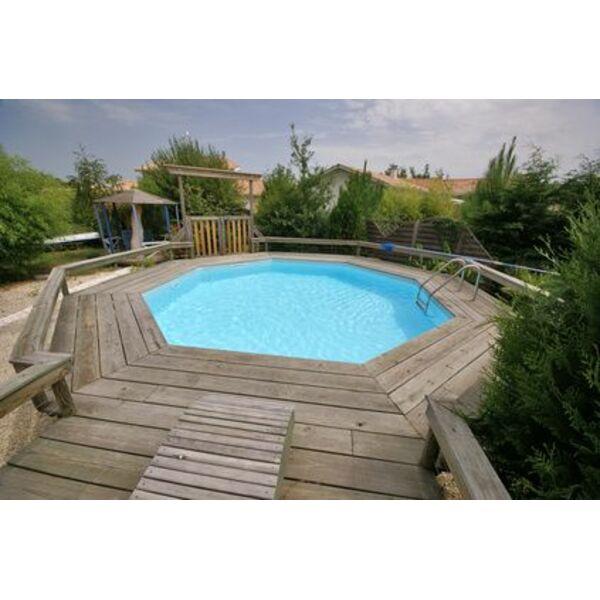 Choisissez l 39 essence de bois pour votre piscine for Accessoire pour piscine bois