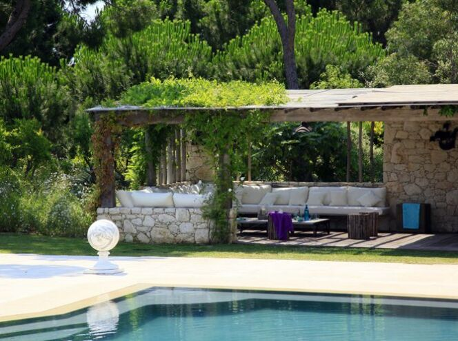 dossier les diff rents types de pool house. Black Bedroom Furniture Sets. Home Design Ideas