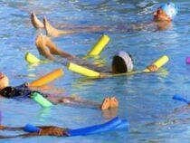 Exercices d'aquagym à pratiquer tout seul